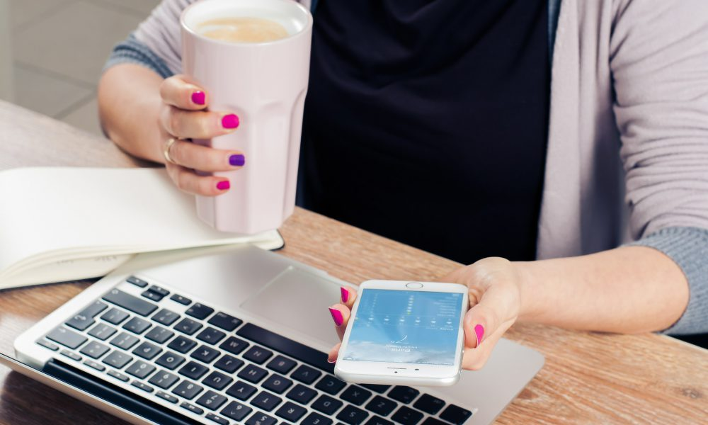 5 ways to market yourself as a female web developer freelancer